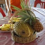 На дегустации предусмотрительно предложили и ананас